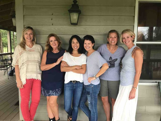 Girls weekend! Wineries, kayaking and shopping!