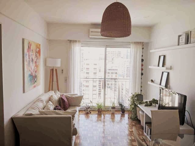 Beautiful and Bright 2 rooms Apt in Las Cañitas.