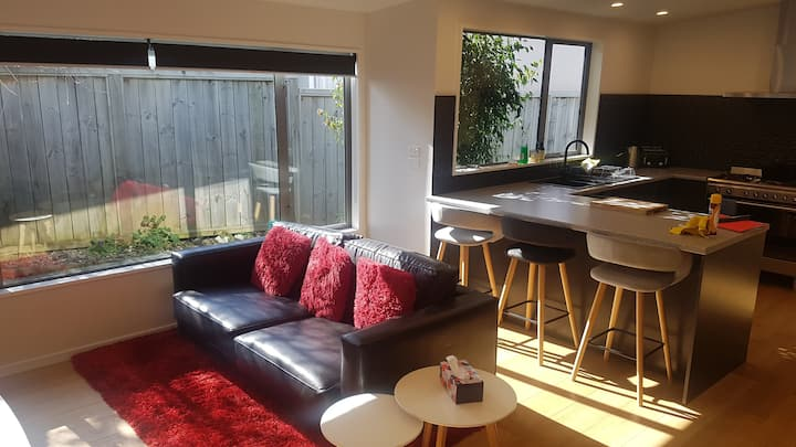 Newly renovated 2 double bedroom apartment.