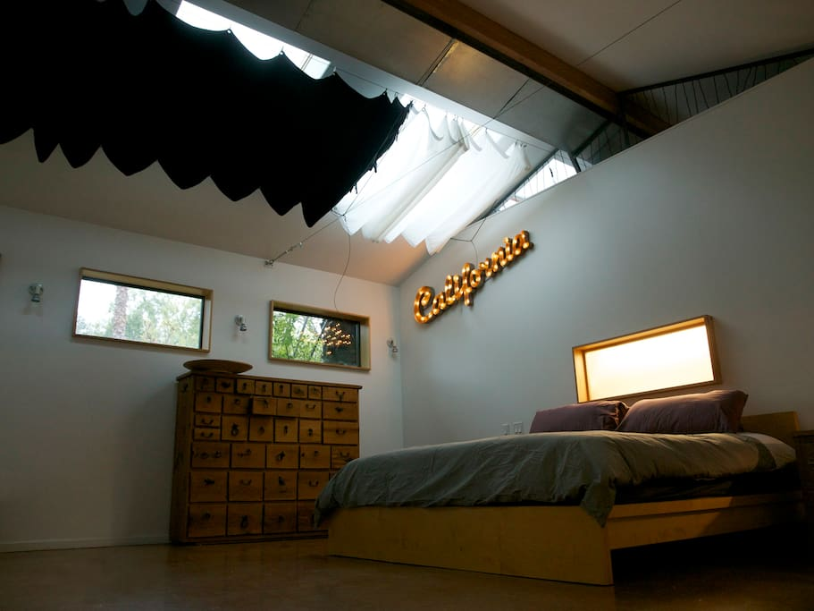 The bed with black screens for the skylights… to enjoy late sleeping in the morning