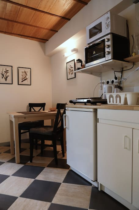 studio meubl de 20 m2 dans la cit plantagen t appartements louer le mans pays de la. Black Bedroom Furniture Sets. Home Design Ideas