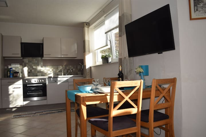 Comfortable with waterbed on the outskirts of town - Berlim - Apartamento