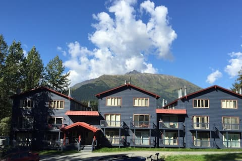 Summit View Ski Condo, Girdwood