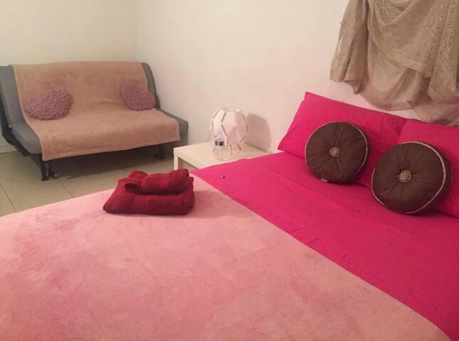Cozy private bedroom 25 min to Manhattan