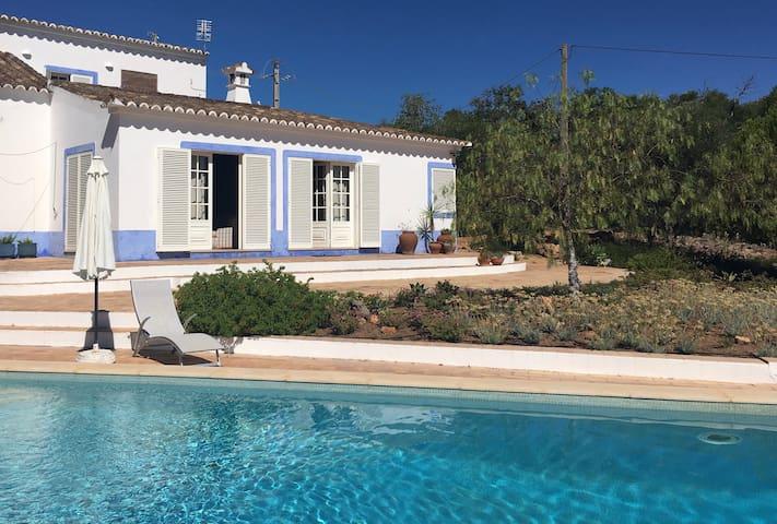 Fantastic Farmhouse with pool near Tavira
