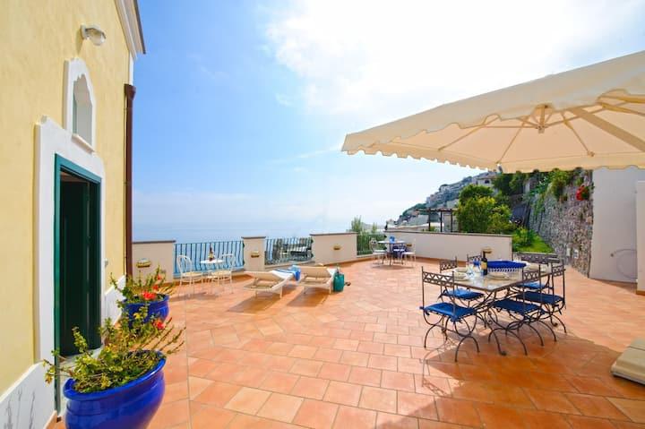 Casa Giorgia - Sea view Villa ideal for groups