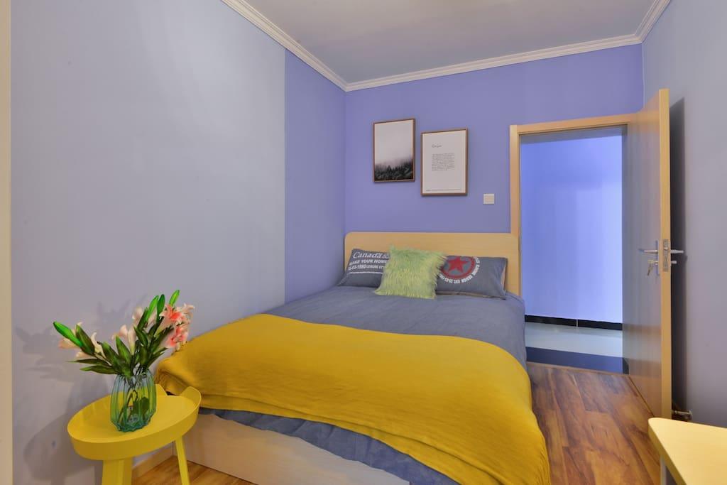 舒适的小卧室
