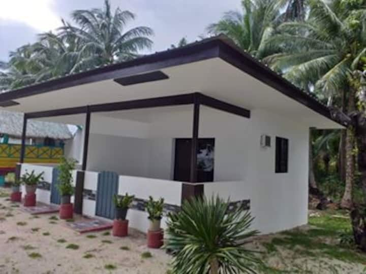 Cagbalete Island Beachfront Rm overlooking Pacific