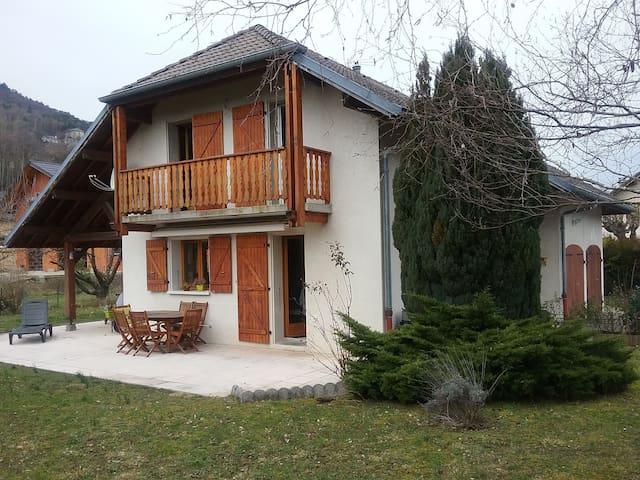 maison individuelle à la campagne
