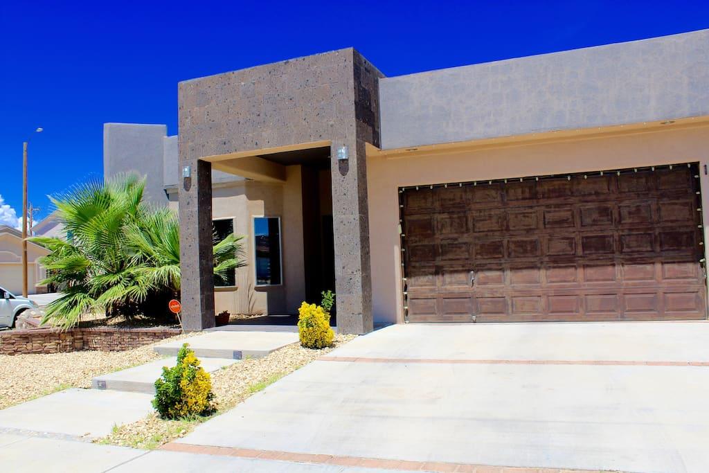 Beautiful cozy contemporary home in el paso tx houses for Modern homes el paso