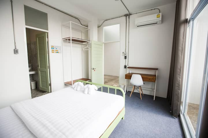 Private Room with balcony (double bed)