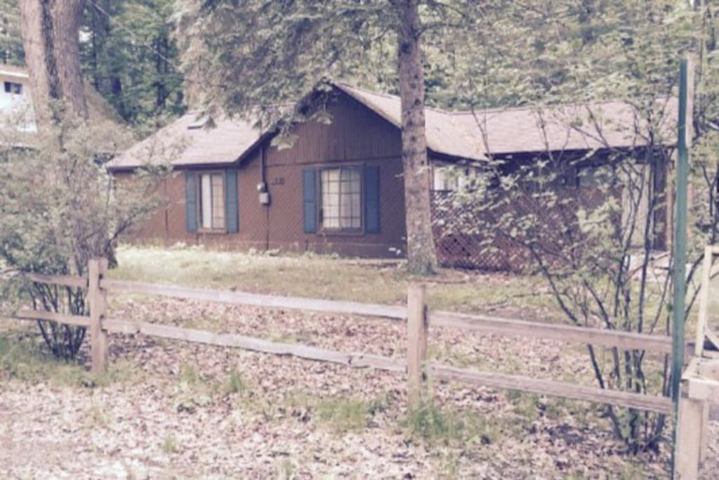 Higgins Lake Cabin  Two bedroom  Wifi / Cable