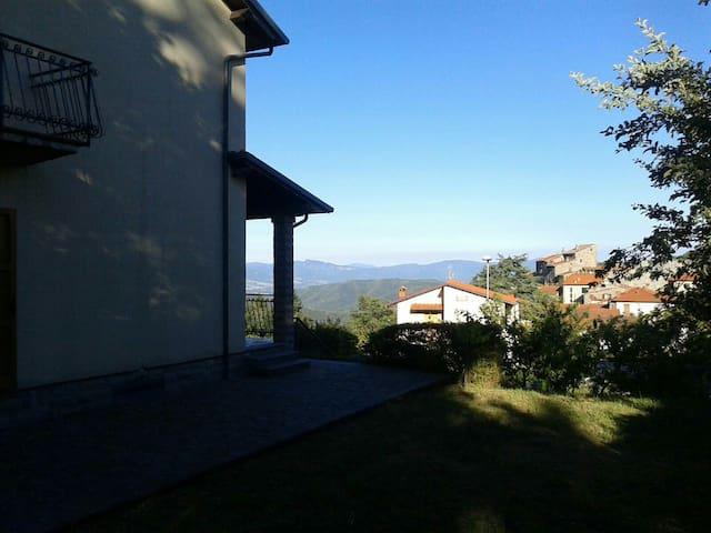 Stupenda Villa al Sole di Montagna - Montemignaio - Villa