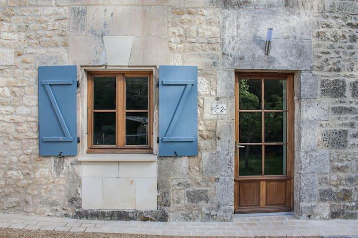 Arcana 90m2   2 Bedroom Gite  Le Petit Moulin