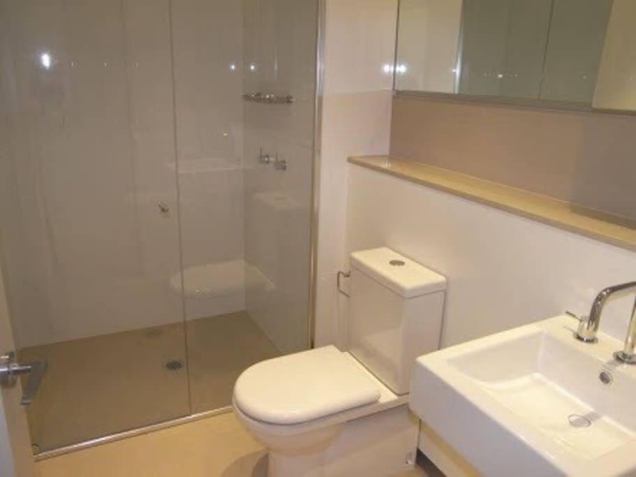 sparkling en suite bathroom