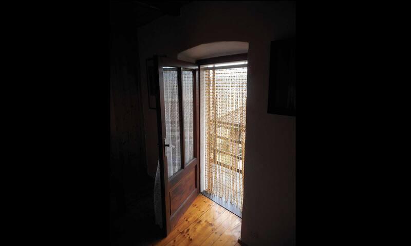 Un porta sul balcone con vista panoramica