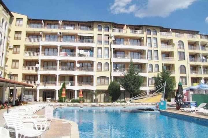 3 rooms apartments with 2 bathrooms Sunny beach