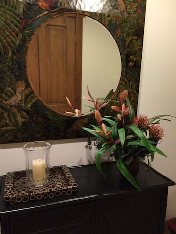 Veranda 8A Luxury Condo - Herradura - Apartemen