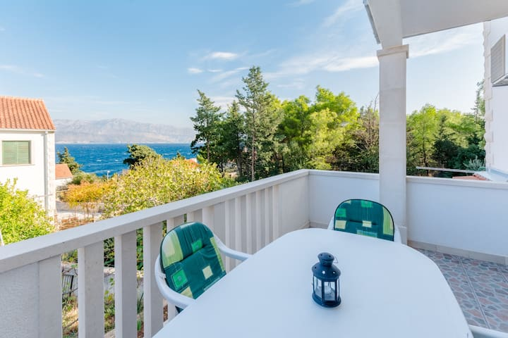 Stella - 2-Bedroom Apt with Terrace and Sea View