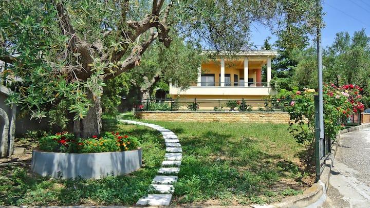 Agios Nikolaos Garden Villa