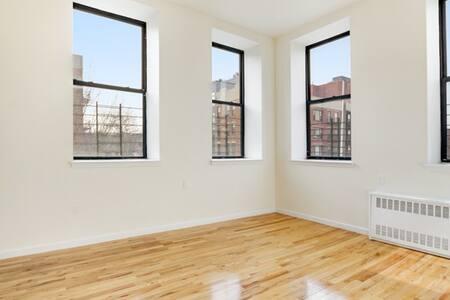Big light-filled room in Prospect Hts! - Brooklyn