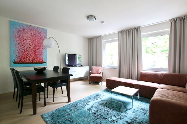 Beautiful large flat at Brüsseler Platz