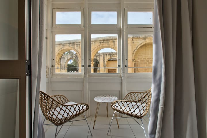 Central Valletta, Barrakka Suites, Balcony