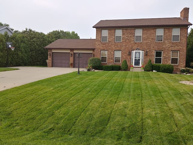 5 BR Family Home Great for ND Football Weekends