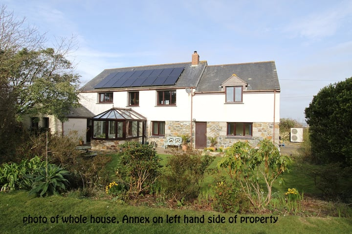 Cosy Self Catering Annexe on the Lizard Peninsula
