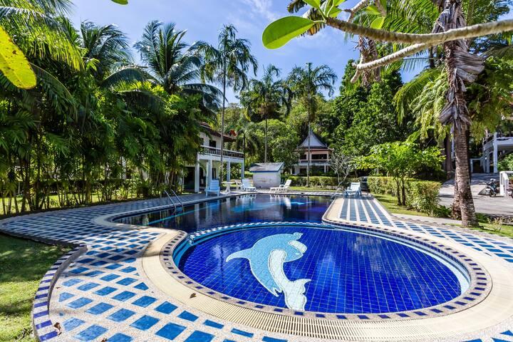 4 bedrooms villa with shared swimming pool, Kamala