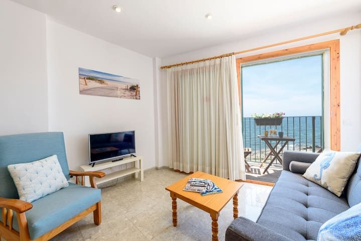 Beautiful Apartment with Terrace and Sea View; Parking Available