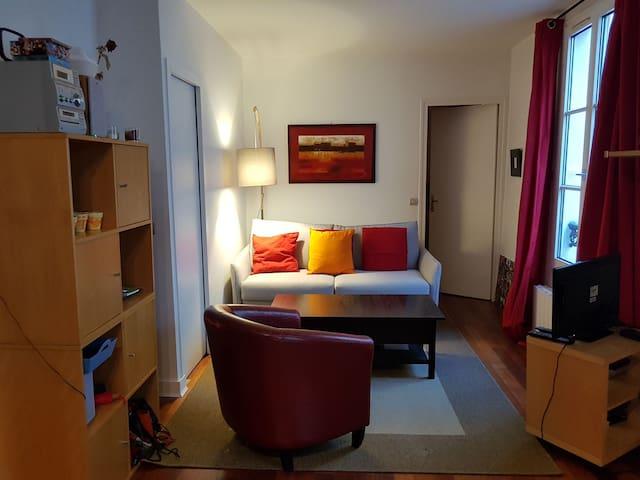 charming 1 bedroom flat near Montmartre