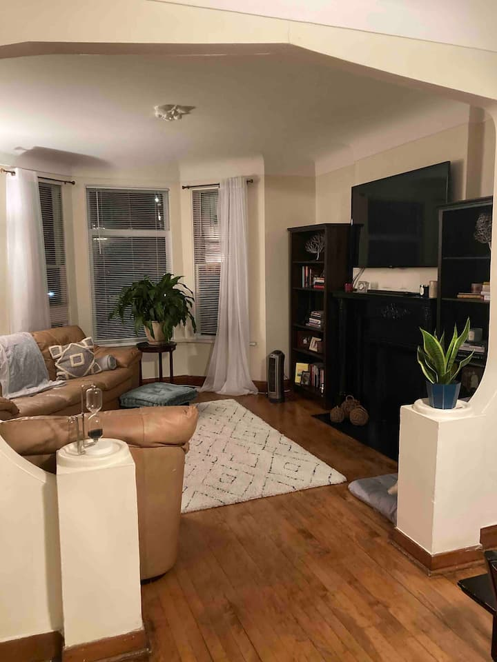 Upscale Southport Abode near Everything--2 bed