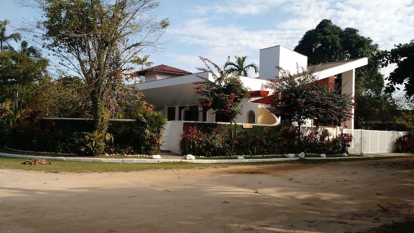 Ampla casa no Condomínio Salga na Lagoinha