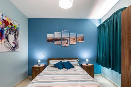 3 bedroom apartment near beaches