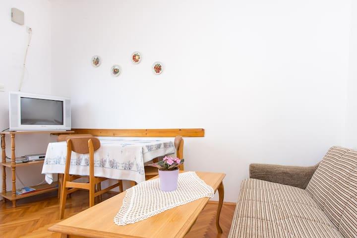 Jenina - a small flat in a quiet neighborhood