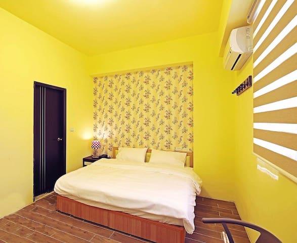 暖暖2B~2人溫馨鄉村房!!獨立衛浴舒適空間,採光佳,距七星潭、市區皆只需5-10分