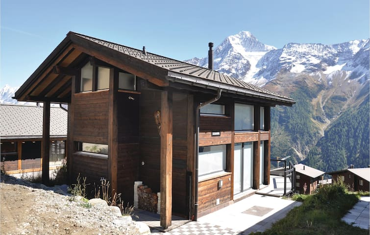 Holiday cottage with 4 bedrooms on 110m² in Wiler