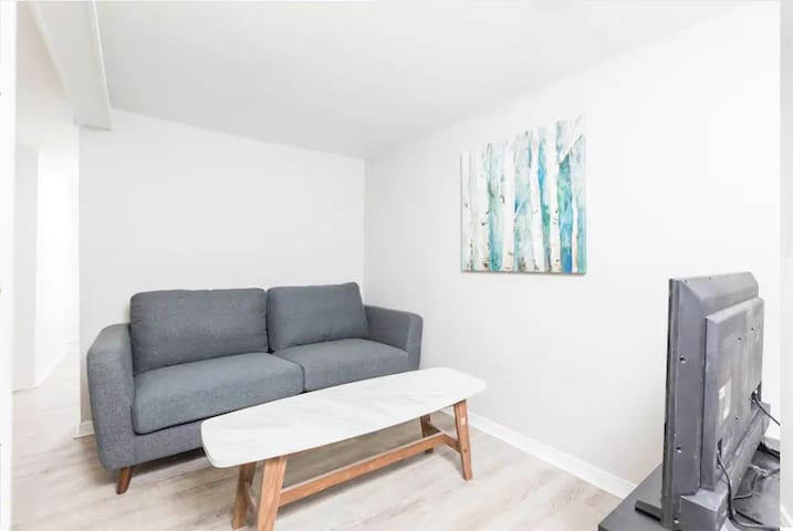 Bloor West Lower Level -1Bedroom+1BA+Easy Parking