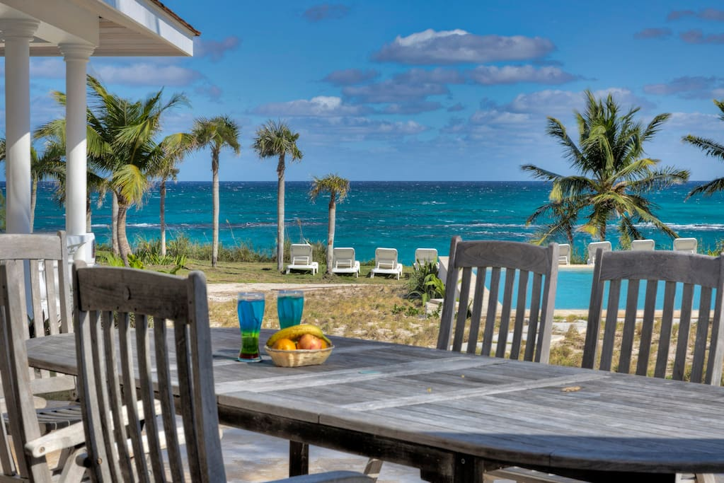 Seven Palms' ocean-view deck and beachfront infinity pool.