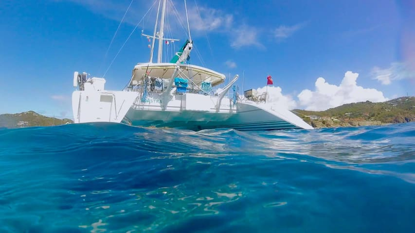 Fun Crewed Sailing Catamaran in the Virgin Islands
