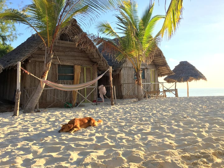 PAJE beach bungallows! You will fall in LOVE