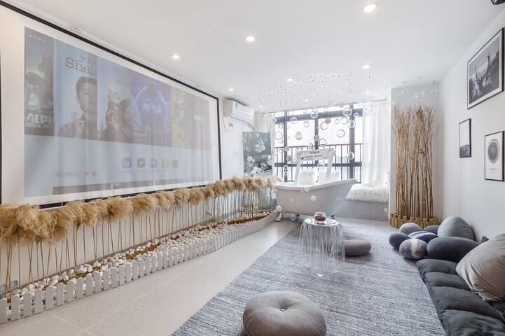 【25℃】双床地铁口#长隆度假区ins风复式loft.直达广州塔.琶洲. 120英寸大投影
