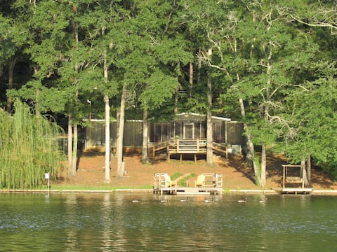 Peaceful Lake Get Away in West Central Georgia