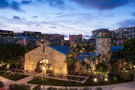 Irvine luxury apartment 2025spf- Best location!!