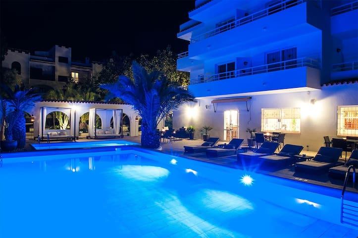 Apartamento en Ibiza reformado - sólo adultos