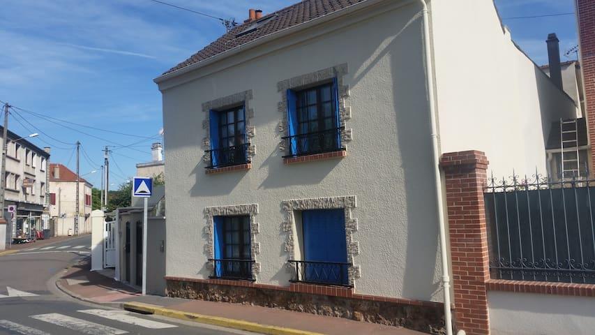 Maison entière à Maurecourt
