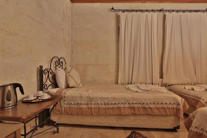 Cappadocia Cave Rooms  DRM (1-1)