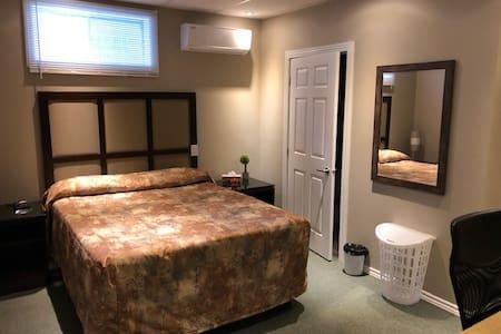 Très jolie chambre bien se reposer.