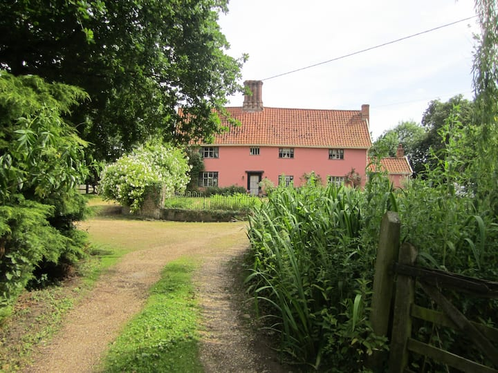 Abbey Farm - 16th Century Period House, Sleeps